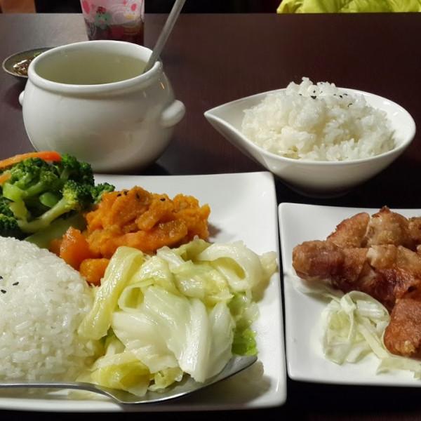 桃園市 餐飲 台式料理 一四一廚房