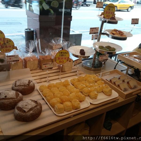 新北市 餐飲 茶館 New Spark Café