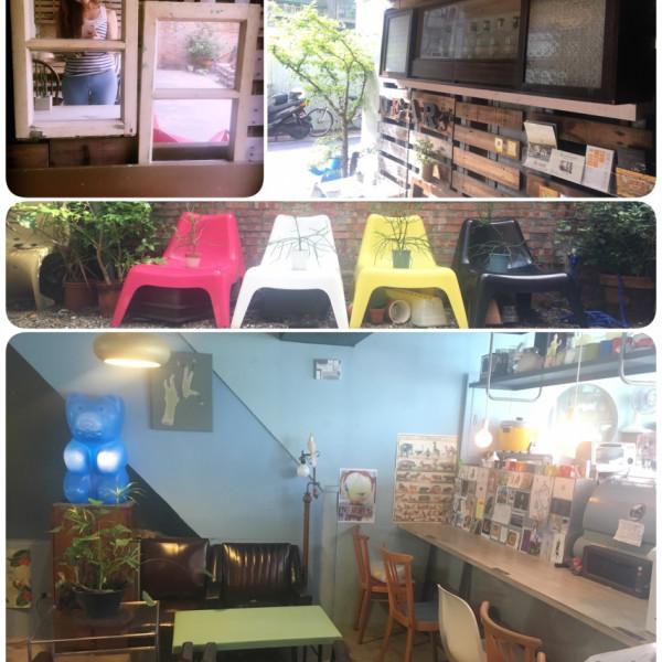 台北市 餐飲 咖啡館 小路上。