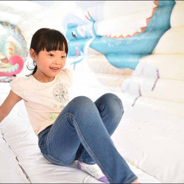 台北市 觀光 休閒娛樂場所 巨無霸氣墊樂園-小恐龍太空歷險記 (2016年11月11日~2017年1月2日)