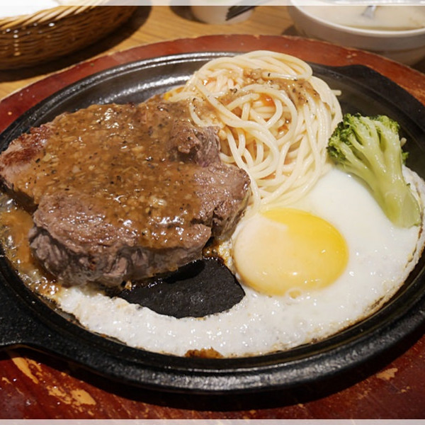 台北市 餐飲 牛排館 人从众厚切牛排館(大安店)