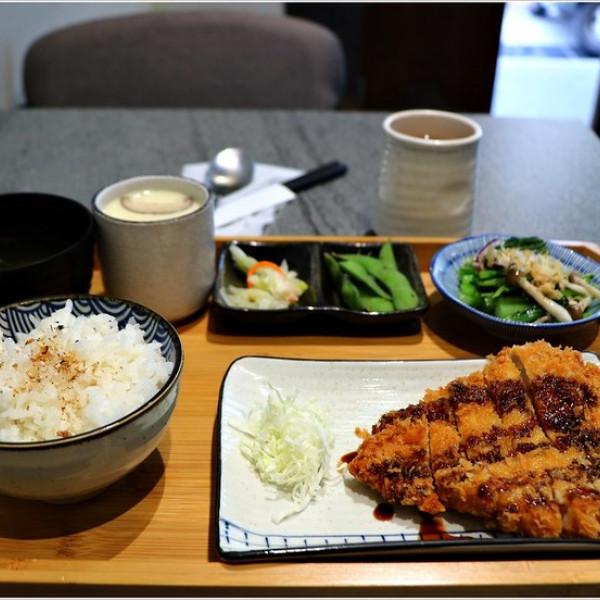 高雄市 餐飲 日式料理 丼飯‧定食 暖呼呼食堂 定食.丼飯.日式料理