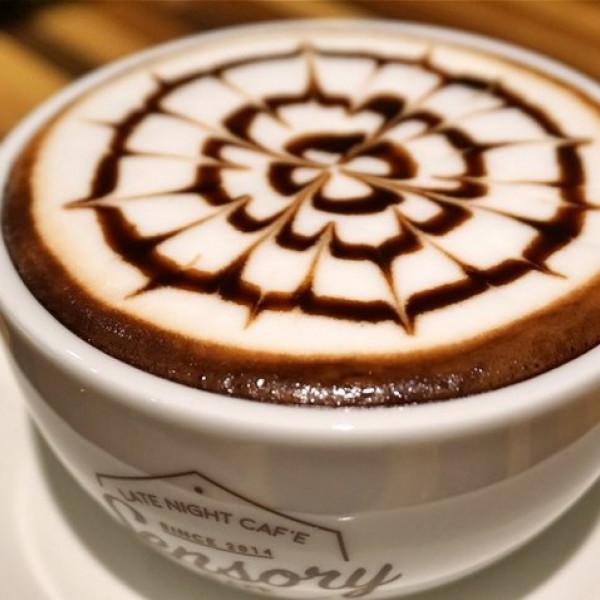 高雄市 美食 餐廳 咖啡、茶 咖啡館 新銳咖啡-高雄藍昌店