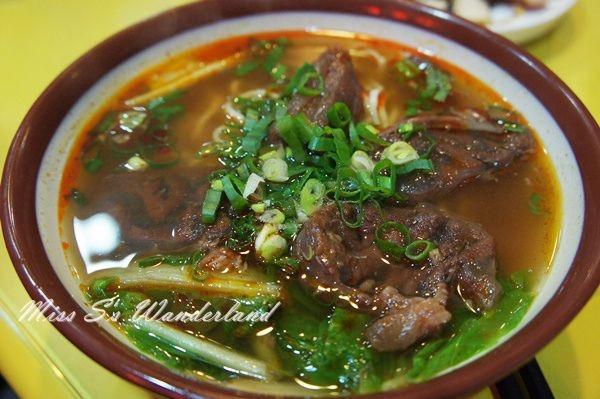 台中市西屯區 水湳眷村牛肉麵