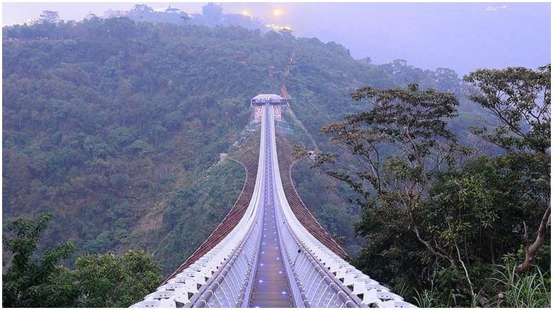 屏東縣三地門鄉 山川琉璃吊橋