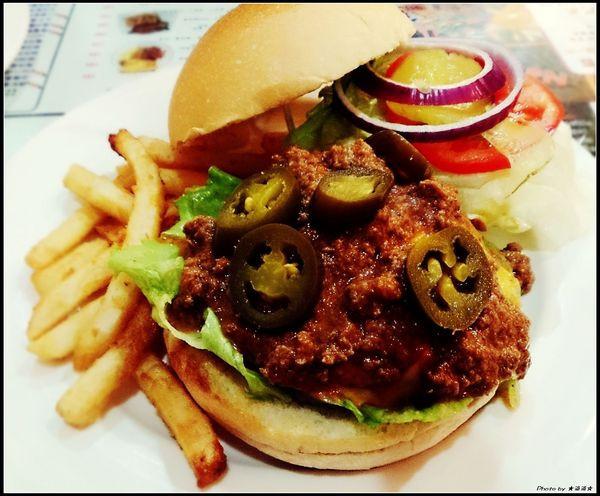 【台中.美食】3MINS美式餐廳~服務態度極佳餐點也不賴