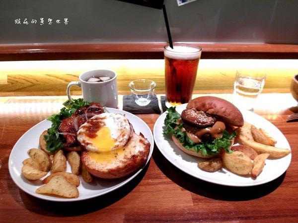 【台中西區】超人氣排隊美食!老房子裡的漢堡!田樂一店For ...