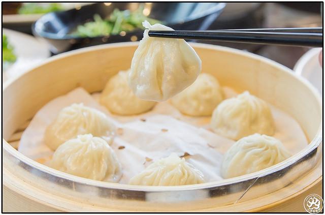 江浙餐厅也必然有的点心「汤包」,乍看之下白净的外皮颇为诱人.图片