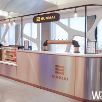 出國前先來一杯吧!SUNMAI金色三麥前進國門機場,要讓你帶著美好的心情飛出國。