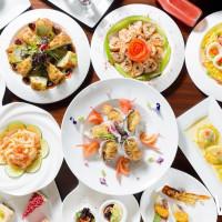 不能只讓你吃到飽!美麗信「雨林」餐廳推出夏季限定活動,「地中海風味美食節」繽紛百匯無限供應。