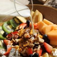 新開店Toasteria Cafe再掀美食話題!地中海早餐正式開賣,外帶壓烤皮塔餅搶攻上班族市場。