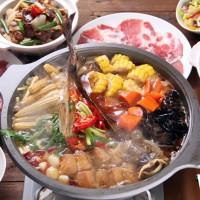 四川名菜直送台南!台南晶英酒店推出香辣「魚羊巴味鍋」,挑戰你對「吃辣」的戰力。