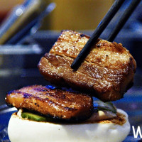 香港超人氣「小包包 Little Bao」來台快閃三天!堪稱全亞洲最強女主廚將來台獻藝,台北晶華再推「好友買一送一」活動。