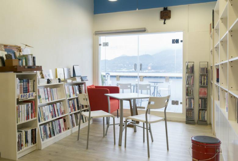 新北市淡水區 無論如河獨立書店